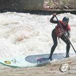 Flusssurfen mit Stand Up Brett