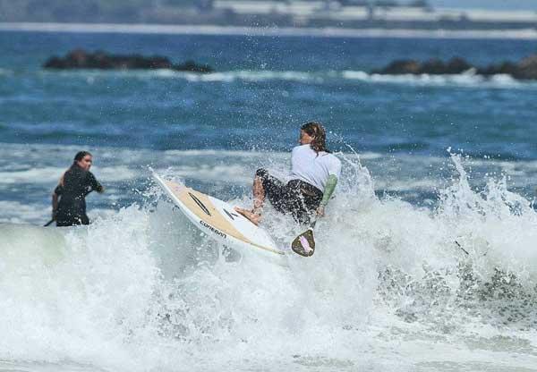 Karina_Figl_SUP_Surfing_Peru