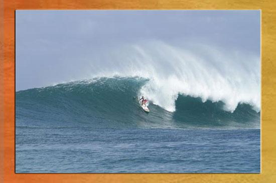 Stand-Up-Surfing-Sun-Set-Beach