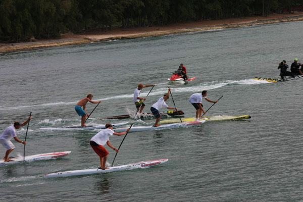 SUP-Rennstart-in-Turtle-Bay