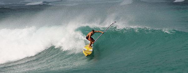 Hurley nimmt ersten SUP Surfer unter Vertrag