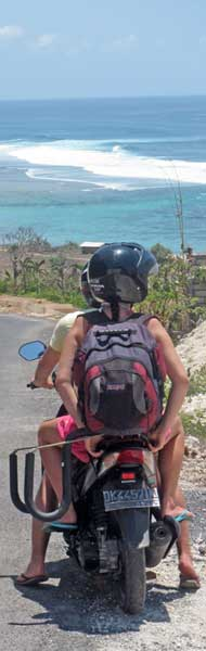 Surfcheck_mit_dem_Moped