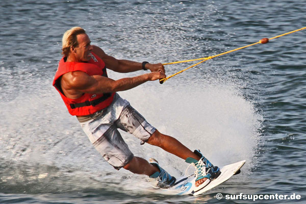 Chuck-Patterson-wakeboarding