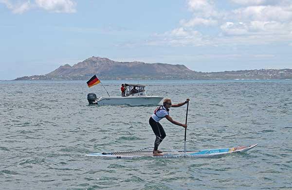 Sonni-Hoenscheid-schreibt-Deutsche-SUP-Geschichte-auf-Hawaii