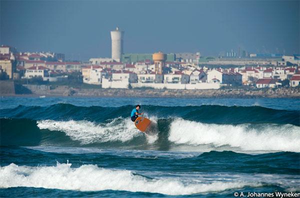 Kai-Steimer-surfing
