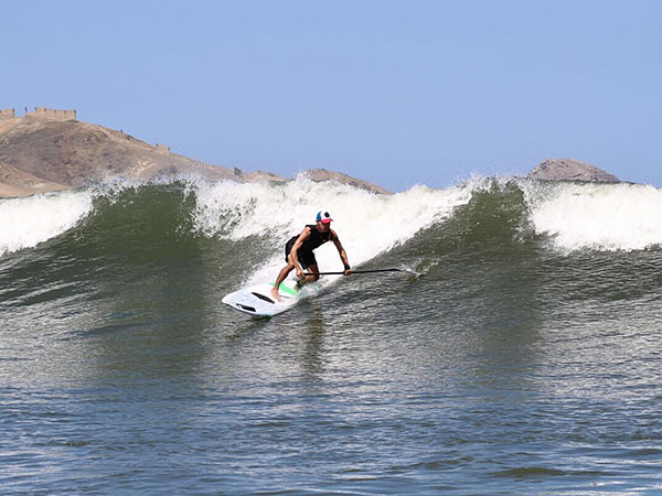 SUP-Surfing-in-Peru