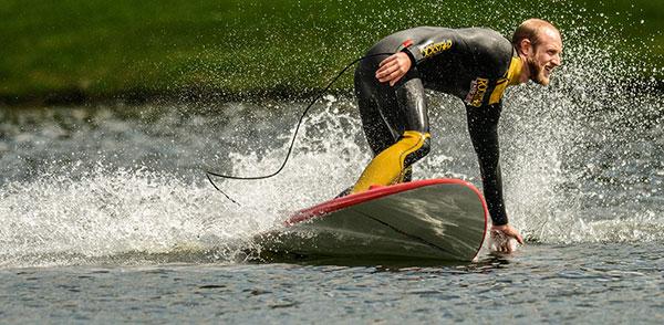 lake-surfing