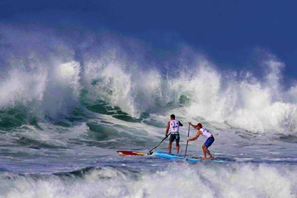 stand-up-paddleboarding-france