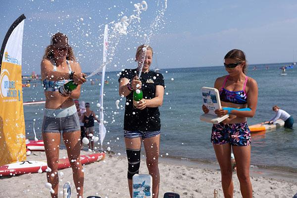 Damen-Sieger-SUP-Meisterschaften-Fehmarn
